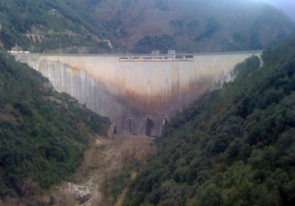 Quan Endesa talla literalment el riu Ter mig kilòmetre des de la presa de Susqueda fins al Pasteral (16 gener 2013) Foto_Pau M